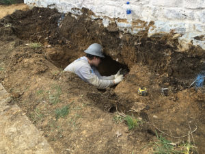 SSRG worker reinforcing Stowe House